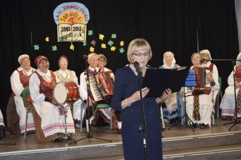 Sveikinimo žodį taria LASS Jonavos filialo pirmininkė Zita Šuliokienė
