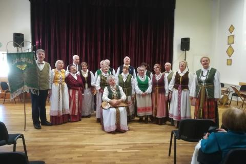 Koncertuoja folkloro ansamblis ,,Kanapija''