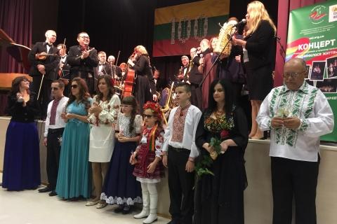 Prizais apdovanojami koncerto dalyviai